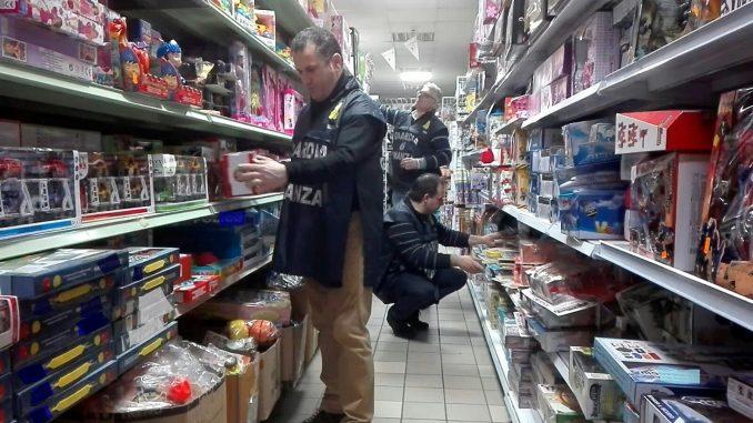 41340b1d5bcd Nella provincia di Catania 314 sequestri e più di 1,5 milioni di articoli  fake confiscati nell'ultimo anno. In Italia un giocattolo contraffatto su  cinque ...