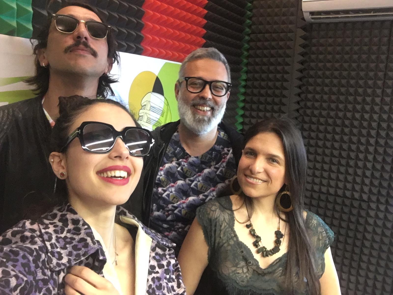 Sara Priolo e Milvia Averna con Corrado Fortuna e Frankie Hi Nrg