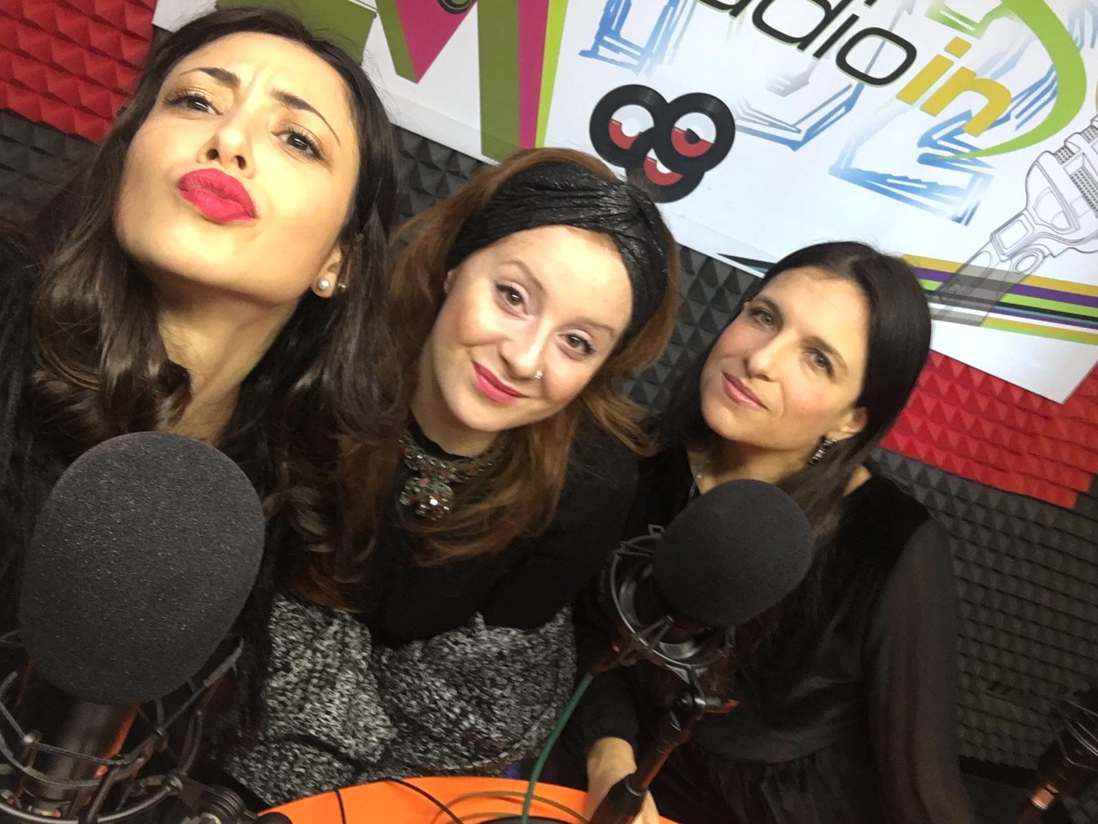 Sara Priolo e Milvia Averna con la cantante Alessandra Salerno